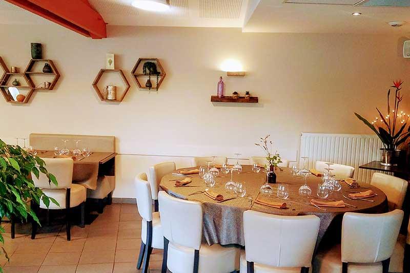 salle restaurant autour du tilleul